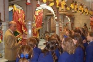 Hindu Temple Visit 2 800X600