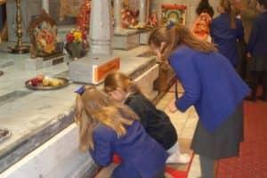 Hindu Temple Visit 8 800X600
