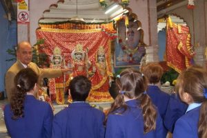 Hindu Temple Visit 4 800x600