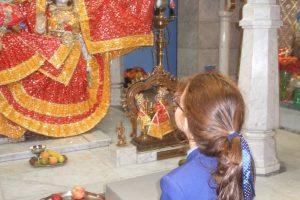 Hindu Temple Visit 6 800x600