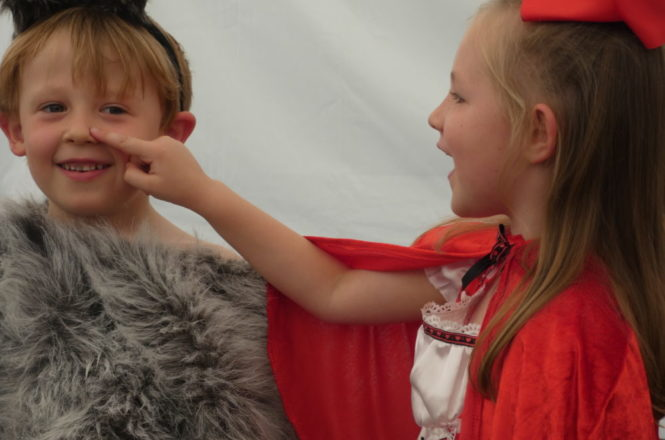 Reception Demonstrate Confidence on Stage