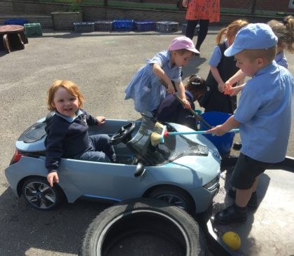 Early Years Investigate and Explore Through Outdoor Learning